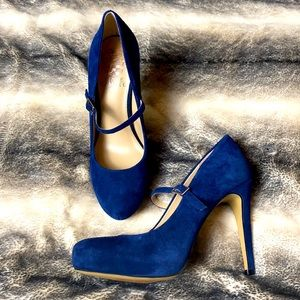 Vince Camuto blue suede Beverly pumps 6M NWOT